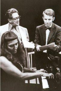Evelinde Trenkner, Werner  Trenkner und Harald Rummler bei der Vorbereitung eines Sinfonie-Konzertes im Jahre 1975
